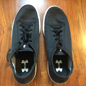 Under Armour Youth Black Sneakers Size 6 Y